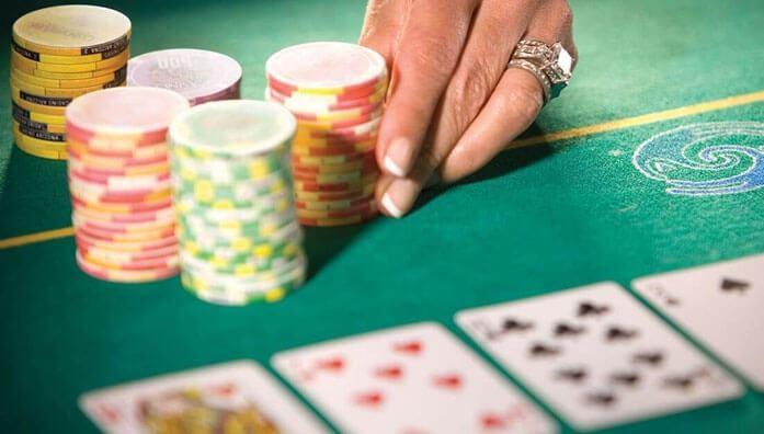 Poker strategies to reach the showdown