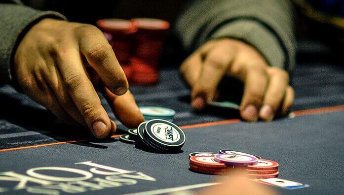 bet in poker
