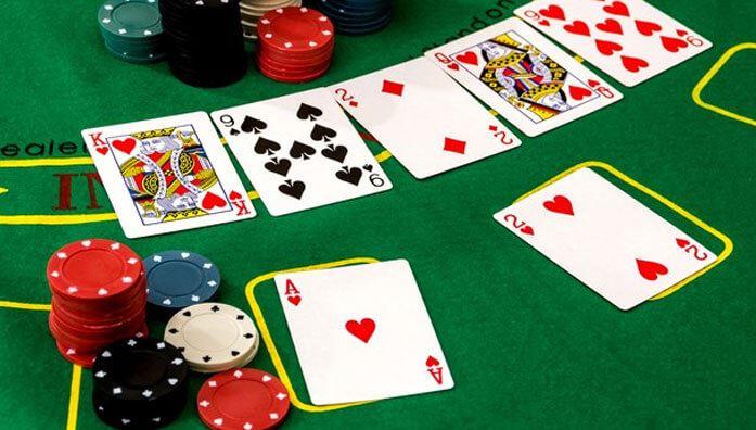Straight poker strategy