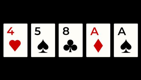 What is one pair in poker?